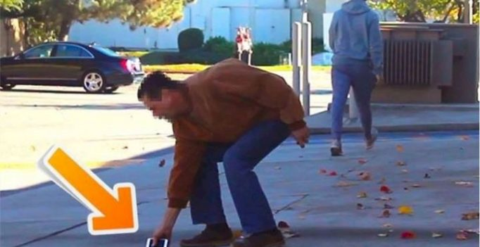 He Drops A Phone, And This Man Picks It Up. What He Does? DISGUSTING.