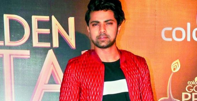 Shravan Reddy survives road accident