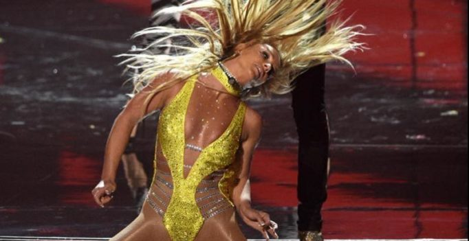 Watch: Britney Spears owns it as she makes her comeback on VMAs after 9 years!