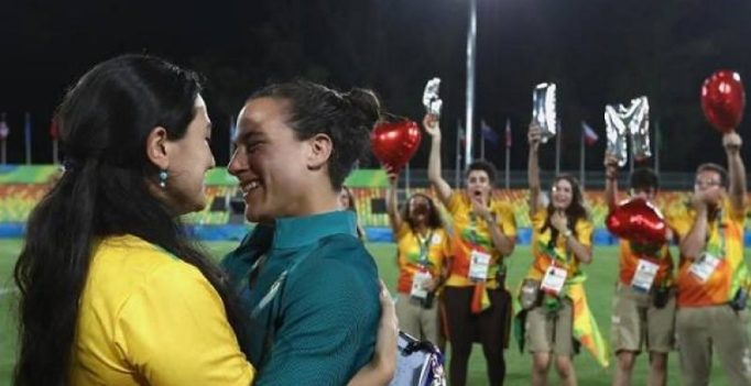 Brazilian women's rugby player accepts marriage proposal at Olympics