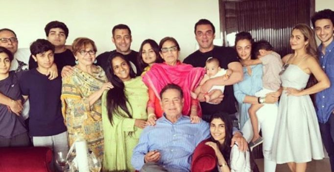 Salman's entire Khandaan in one frame, more unseen pics from family's Rakhi day!