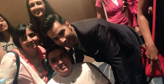 Varun takes some time off his Dream Team tour in Chicago to greet his fans
