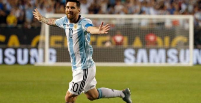 Lionel Messi says he will return to Argentina squad