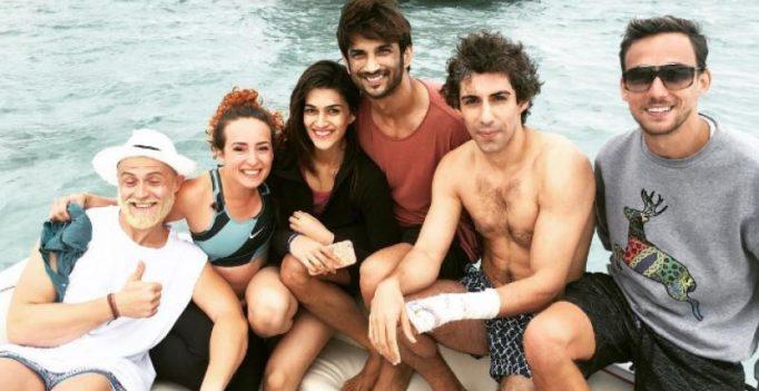 Raabta co-stars Kriti-Sushant go snorkeling before saying goodbye to Mauritius