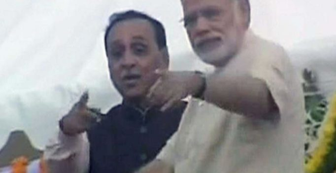Video: Narendra Modi's alertness saves cameraman's life