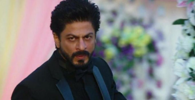 Watch: Shah Rukh Khan loses his cool, gets into brawl with fan who misbehaved