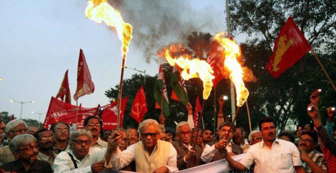 Strike hits normal life in Kerala, Telangana; TN, WB, Maha remain unaffected