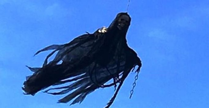 Video: Man puts dementor on drone to scare people on halloween