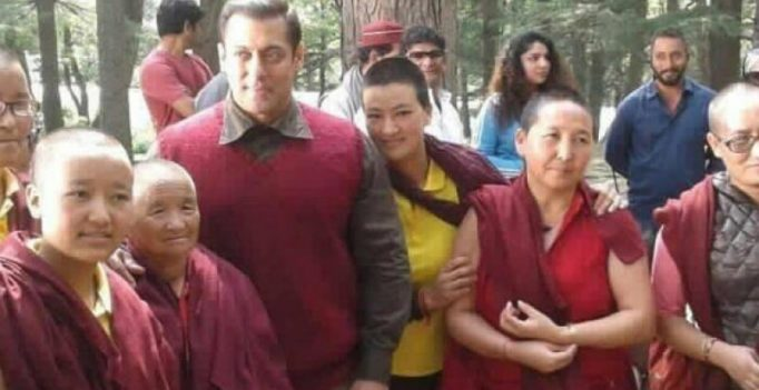 Salman Khan takes time out of 'Tubelight' schedule to pose with local monks
