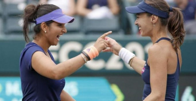 Sania-Hingis pair enters last four of WTA Finals
