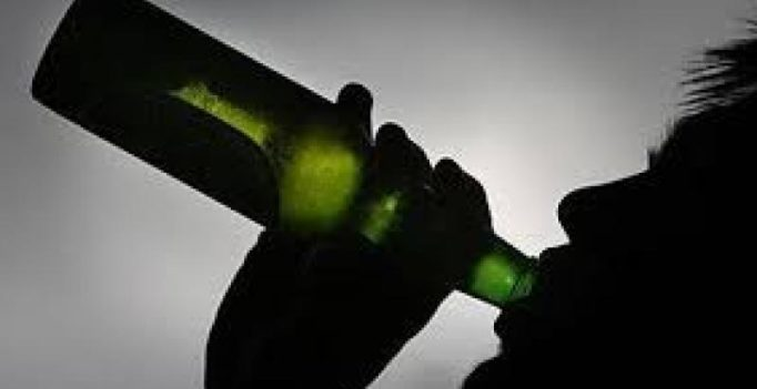 Alcohol abuse is linked to increased risk of schizophrenia in later life