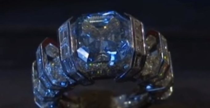 Video: Sky blue diamond fetches $25 million in auction