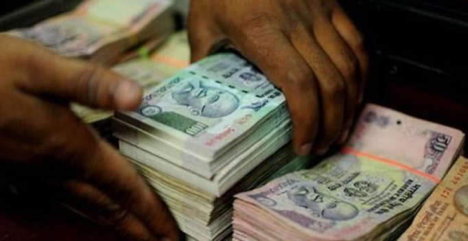 Delhi doctor arrested for carrying Rs 70 lakh in Rs 100 notes