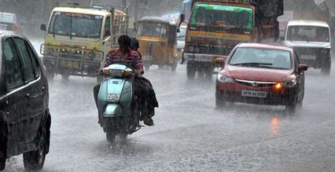 Chennai will see intermittent rains for next 24 hours