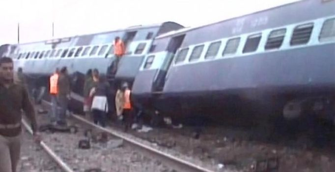 2 killed, 26 injured as 14 coaches of Ajmer-Sealdah express derail in UP