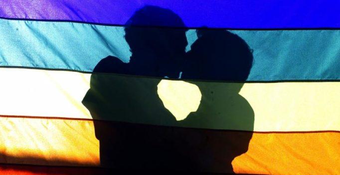 Upscale restaurants, bars in Mumbai, Delhi turning away gay couples: report
