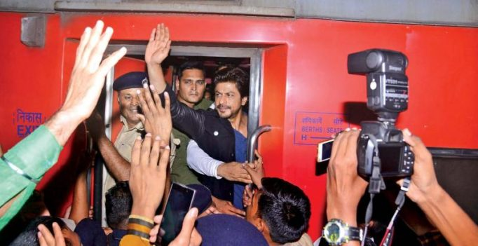 Vadodara residents want SRK to be booked over death of man at station
