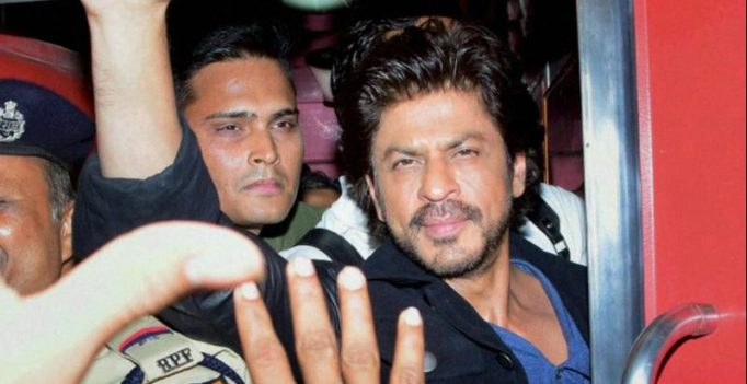 SRK rides train to promote Raees, fan dies in commotion at Vadodara station