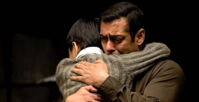 Salman Khan introduces a little champ for Kabir Khan's Tubelight