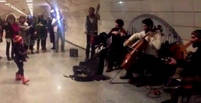 Video: Talented kid commands a band like a real maestro