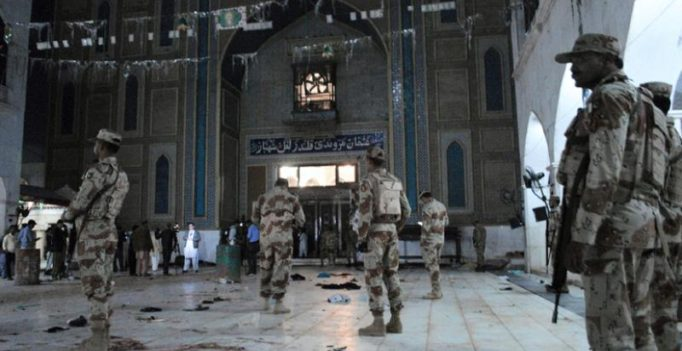 Pakistan detains dozens after 75 killed at Shiite shrine