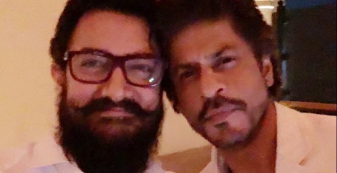 After 25 years of knowing each other, SRK-Aamir click their first picture together