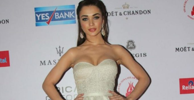 Amy Jackson to file complaint after personal pics leaked on social media