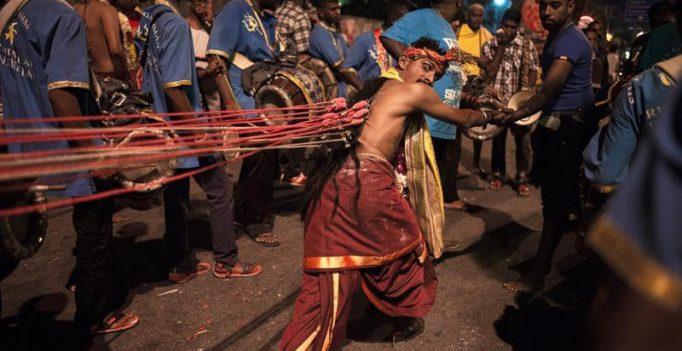 Thousands celebrate Hindu Thaipusam festival in Malaysia