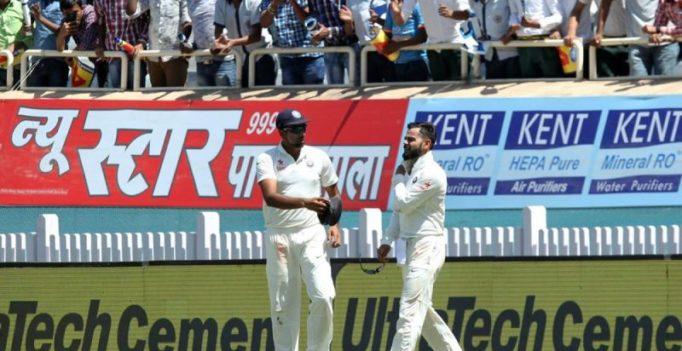 Video: Virat Kohli hurts shoulder, rushed off the field during India-Australia Test