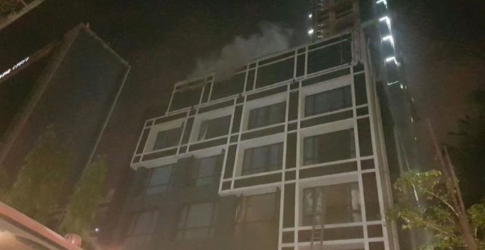 2 die in fire at hotel in Kolkata, 30 rescued
