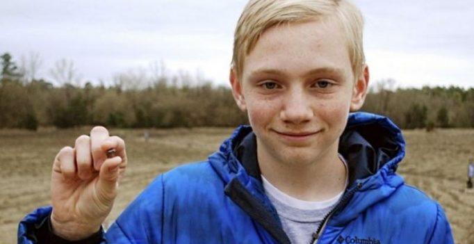US: Teenager finds 7.44 carat diamond in Arkansas state park
