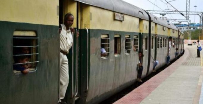 Hyderabad: Railway stalls being run by fake owners