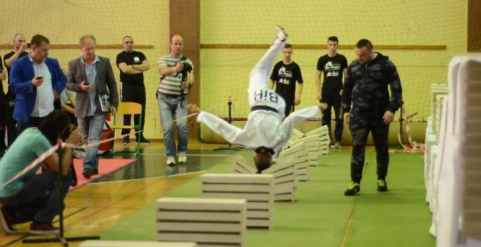 Video: 16-year-old Bosnian sets record by breaking 111 slabs with his head