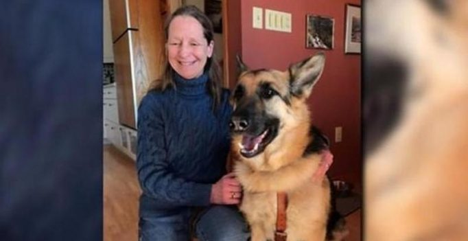 US: Blind woman alleges she and guide dog were kicked off plane