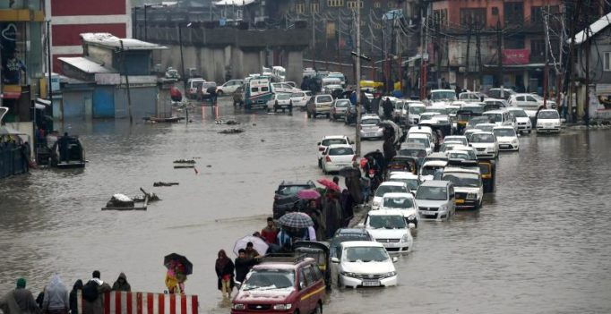 Water level in Jhelum recedes; Modi offers help in dealing with flood situation