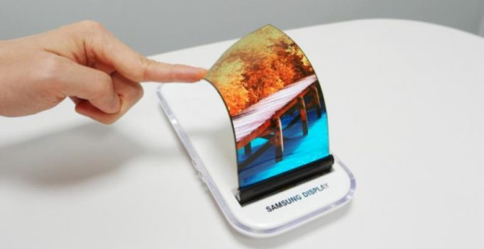 Bendable smartphones to see flexible storage chips