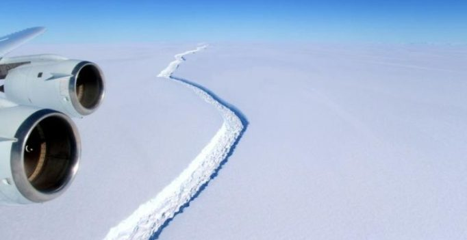 Antarctica: Trillion-tonne iceberg cracks; scientists say gap growing from years