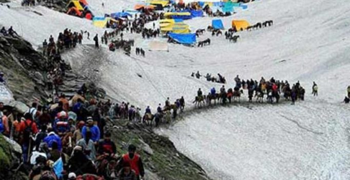 Fresh batch of Amarnath Yatra pilgrims leave for shrine post terror attack