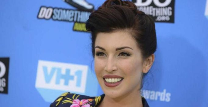 YouTube star-actress Stevie Ryan allegedly commits suicide at 33