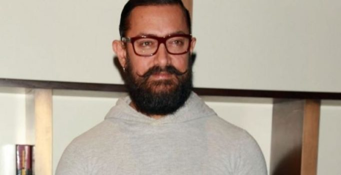 Aamir Khan does it again, donates Rs 25 lakhs for Bihar floods victims