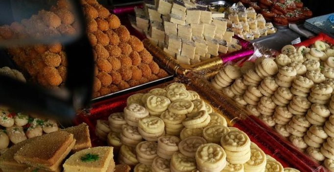 10 delicacies from across India that you must gorge on this Diwali