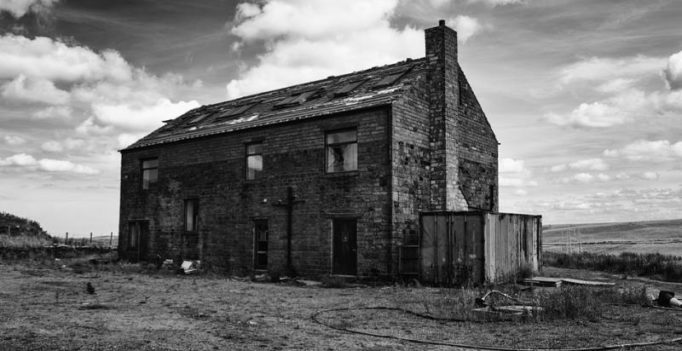 10 signs your house is haunted, says paranormal investigator