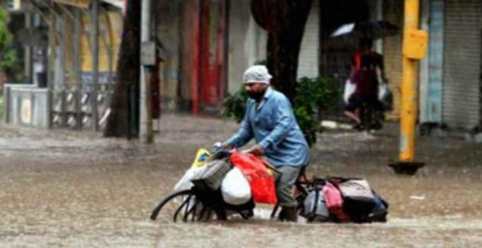 'Dabbawalas' call off duty today as heavy rain continues in Mumbai