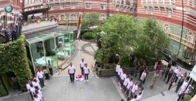 Ravi Shastri, Virat Kohli's Team India hoists tricolour on Independence Day in UK