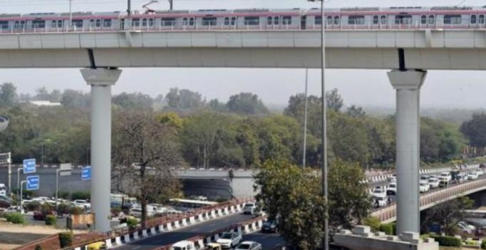 38-yr-old Delhi man hangs self using his shirt on Dhaula Kuan flyover