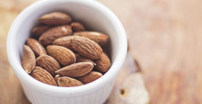 Snacking on almonds is best way to compensate for skipping breakfast, says study