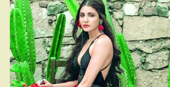 Anushka Sharma injured while block printing!