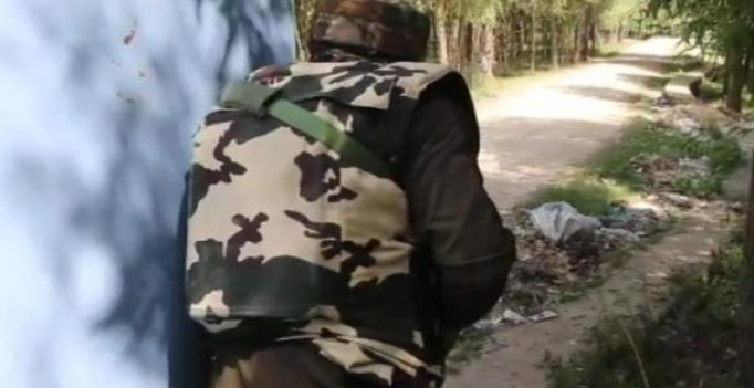 Security forces in J&K's Anantnag gun down Pak militant belonging to JeM