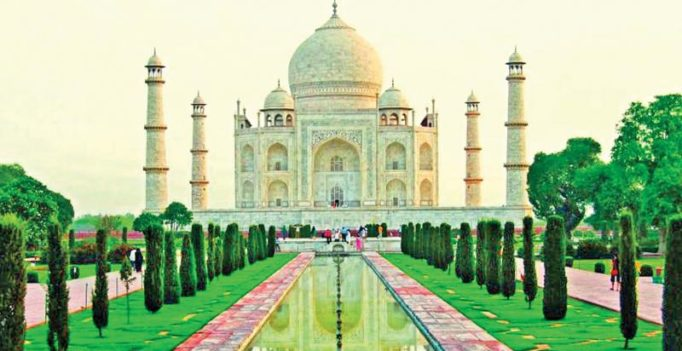 Abu Dhabi based father-son duo travel to India, breaks world record