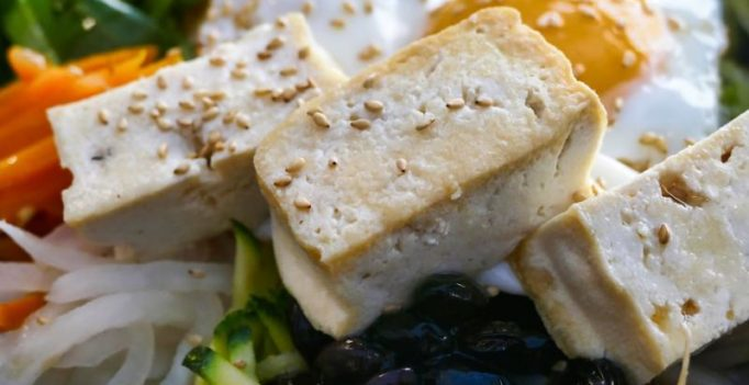 Soy milk, tofu can boost women's bone health, says study